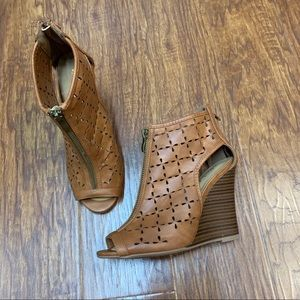 Altar'd State zipper perforated wedges brown